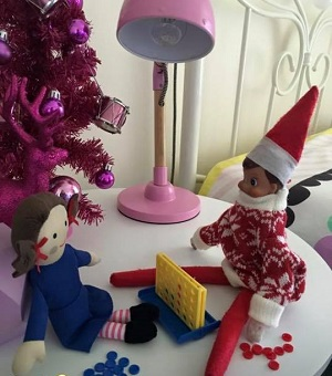 elf and jemima playing connect 4