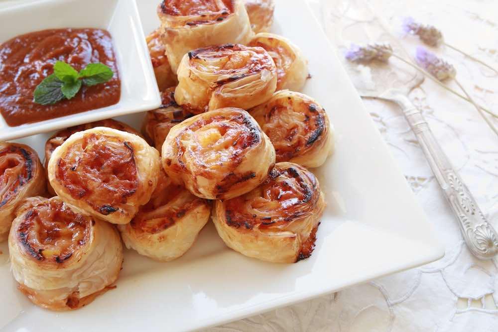 recipe for mini puff pizzas