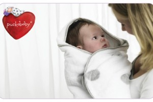 B-Gogo Newborn Lifestyle horizontal with heart_lila rounded