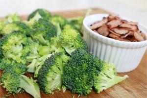 cheese broccoli and bacon mini quiche