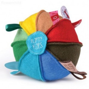 rainbow_felt_taggie_rattle_ball