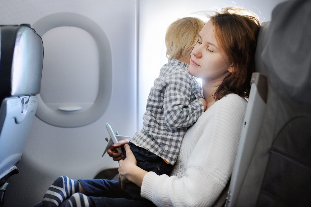 4 tips to make flying with kids easier