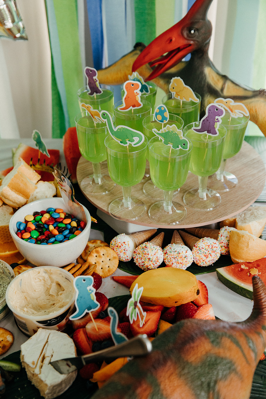 DIY Dinosaur party